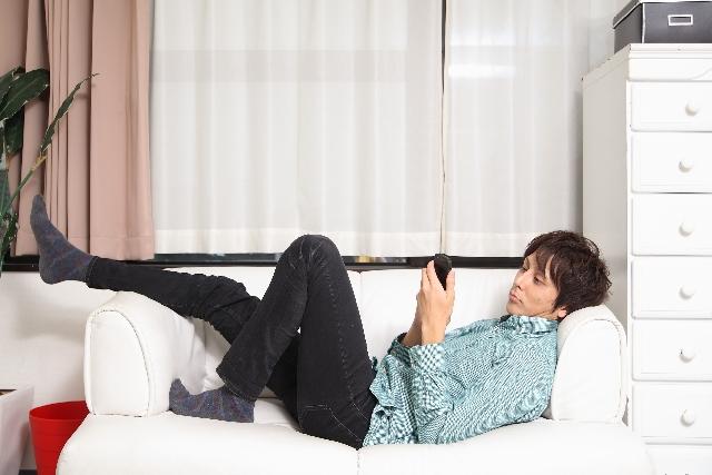 iPhoneのゴロ寝スマホでイラッとするアレの解決方法
