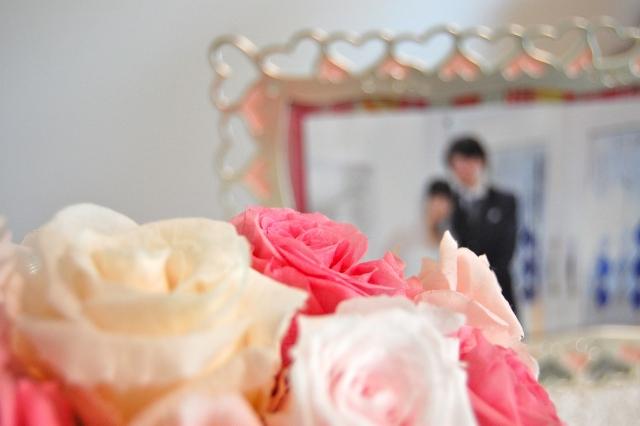 結婚祝いにデジタルフォトフレームは時代遅れなの?家電量販店では取り扱いが減っていた!